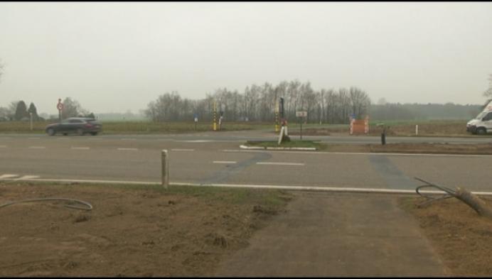 Eindelijk verkeerslichten aan 'dodelijk' kruispunt