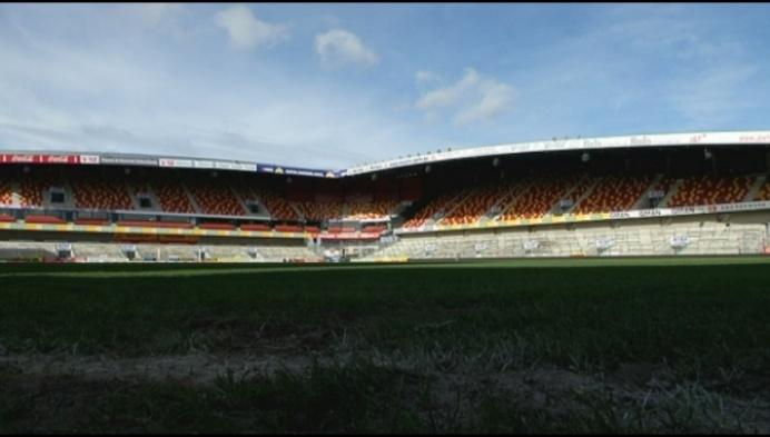 KV Mechelen staat op met gigantische kater