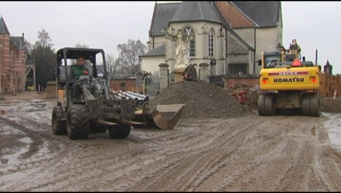 Buurt is aanslepende werken in Rijmenam-dorp beu