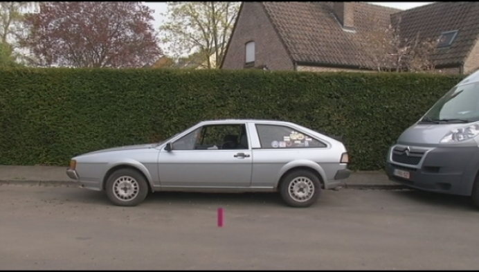 Dieven viseren oude auto's in Muizen