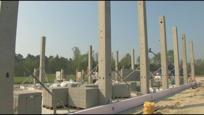 Nieuw stadion bouwen met vrijwilligers