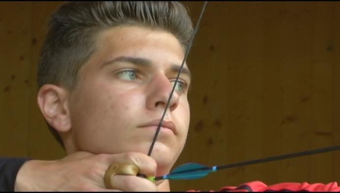 15-jarige boogschutter verbreekt wereldrecord