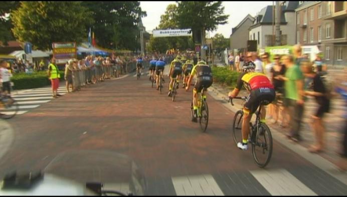Wielertoeristen halen 46 km/u in ploegentijdrit in Vosselaar