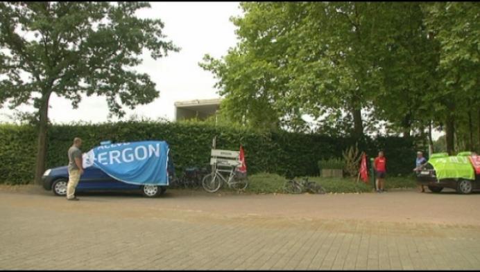 Vakbonden blokkeren toegang betonfabriek Ergon