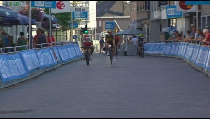 Yves Lampaert wint na-tourcriterium in Putte