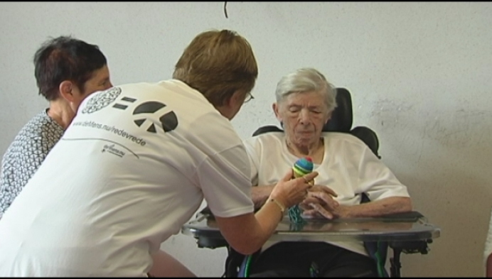 Knuffels voor dementerende bejaarden