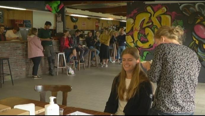 Jongeren organiseren groepsaankoop oordoppen