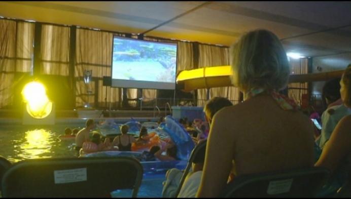 Dive-in-cinema als afscheid voor Mols zwembad