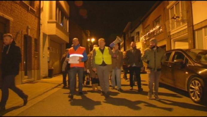 Actiegroep tegen jachthaven in stoet naar gemeenteraad