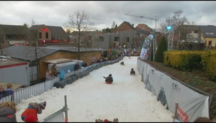 Sneeuwpret bij elf graden op Heistse Berg