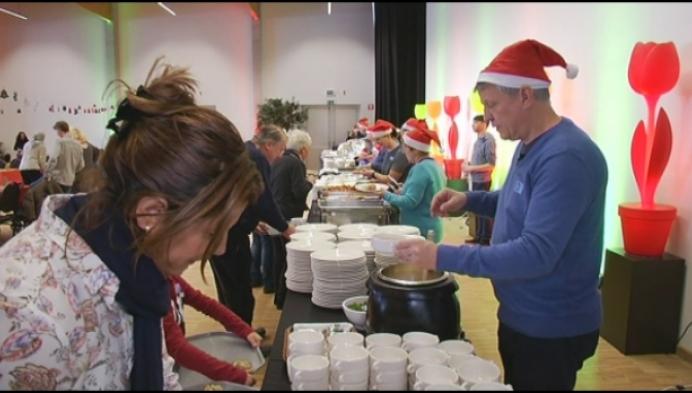 Technopolis trakteert 500 kansarmen op kerstlunch