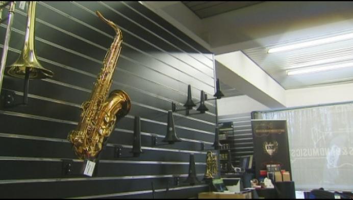 Dieven aan de haal met muziekinstrumenten