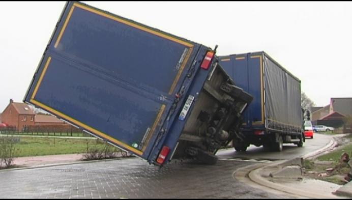 Buurt vraagt maatregelen tegen vrachtverkeer