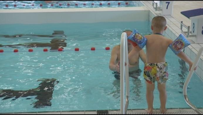 Nieuw zwembad Mol nu ook open voor het grote publiek