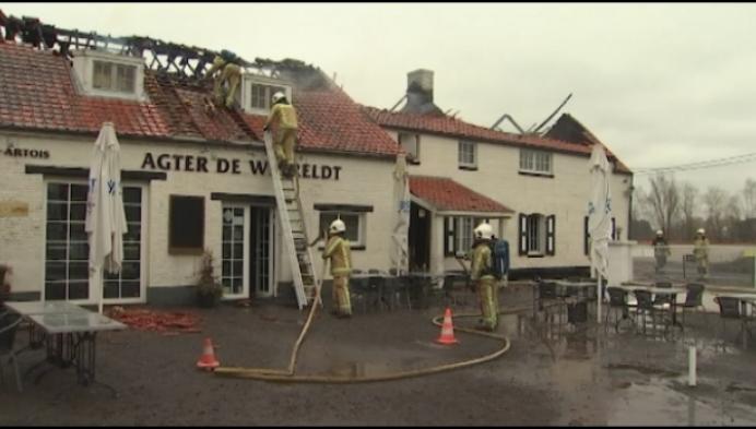 Brand vernielt fietstaverne zus Sven Nys in Herselt