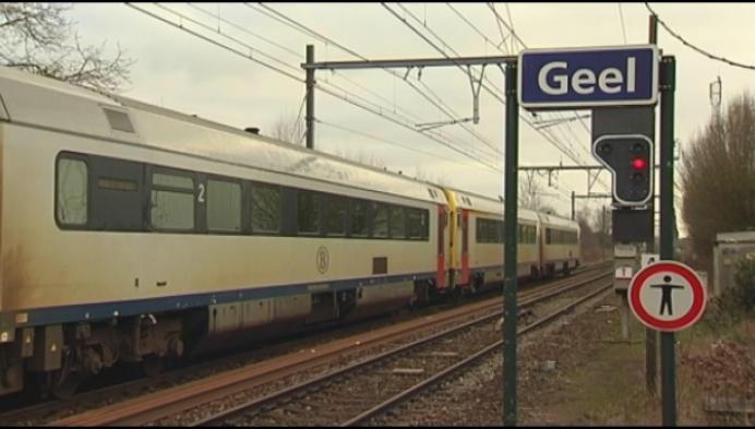 Treinbestuurder negeert rood sein in station Geel