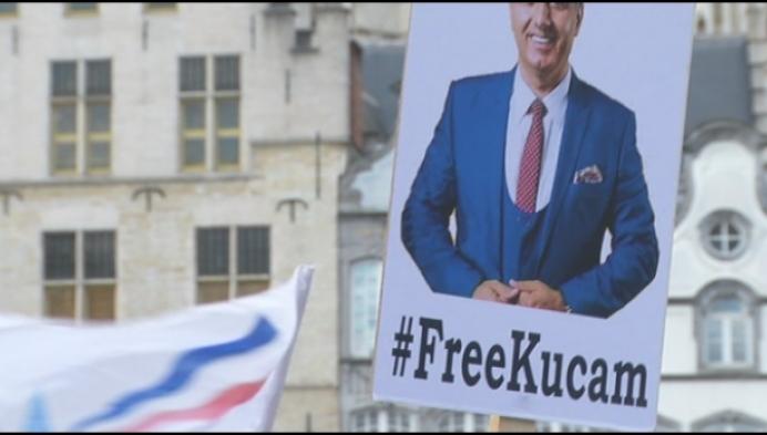 150 mensen houden actie voor Melikan Kucam