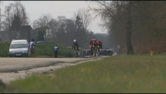 """""""1 minuut stilte voor Stef op Zuid-Kempense Pijl"""""""