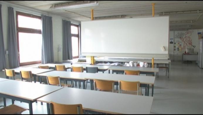 Helft van de leerkrachten TSM Mechelen staakt mee
