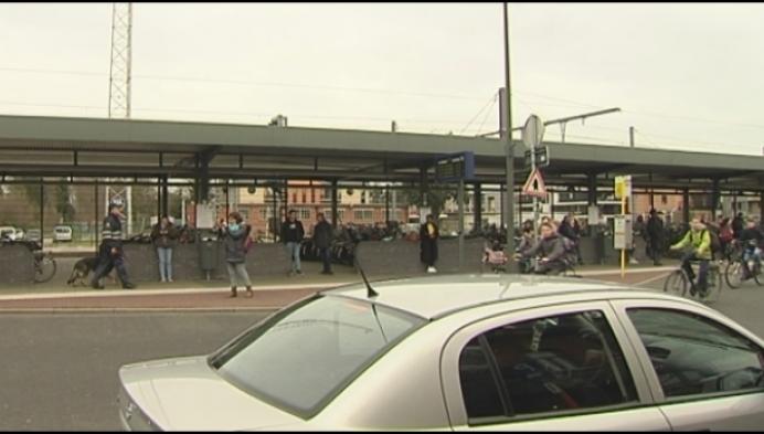 Grote controle-actie aan stationsbuurt Mol