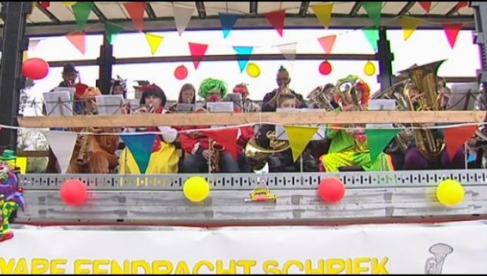 """Kindercarnavalsstoet gaat uit in Schriek: """"Traditie die moet blijven"""""""
