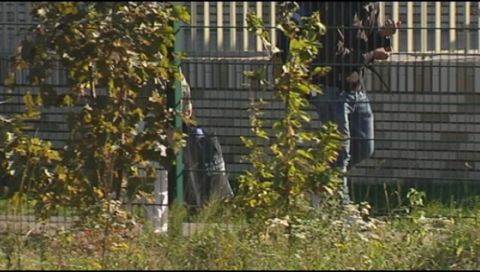 Mensenhandelaars veroordeeld: minder migranten op parking Mol-Postel