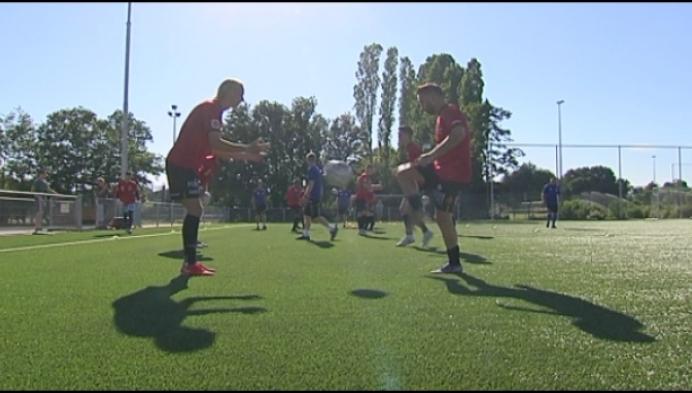 KV Mechelen speelt onder loden zon op veld van Thes Sport
