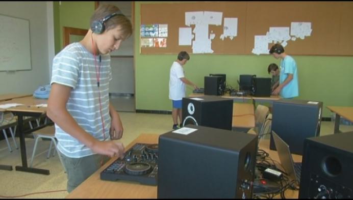 """Kamp voor jonge DJ's: """"Ooit wil ik op Tomorrowland staan"""""""