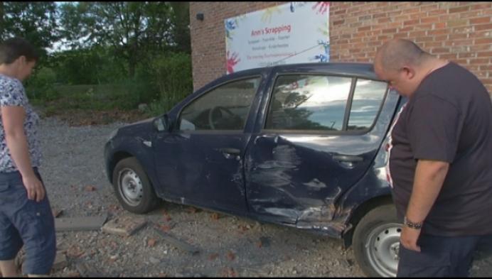 Bestuurder pleegt vluchtmisdrijf na crash in Beerse