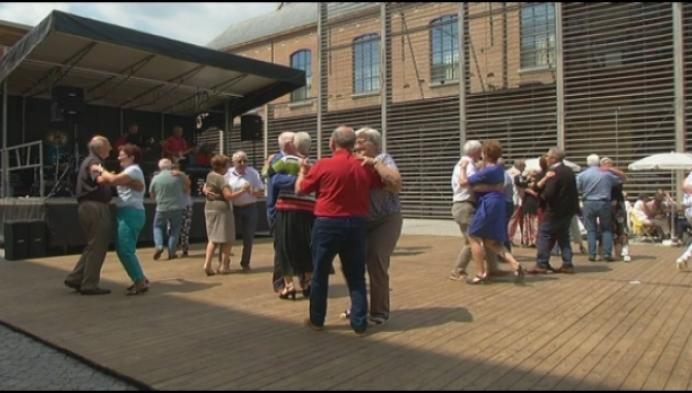 Mechelse senioren genieten van 'Muziek uit de Oude Doos'
