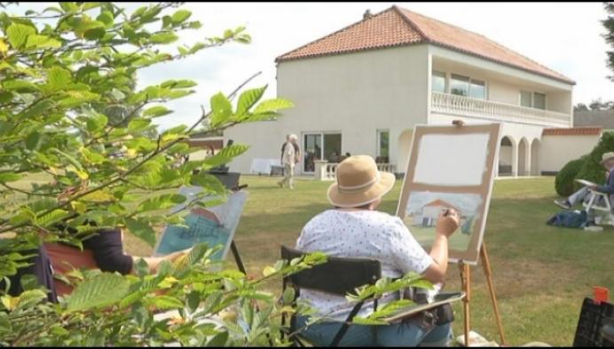 Kunstenaars naar buiten voor zomerschilderdagen