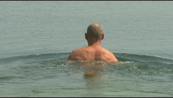 """Aan Mellevijver Turnhout: """"Gebruik gezond verstand bij wildzwemmen"""""""