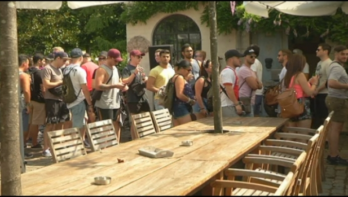 800 festivalgangers Tomorrowland lunchen in Arendonk