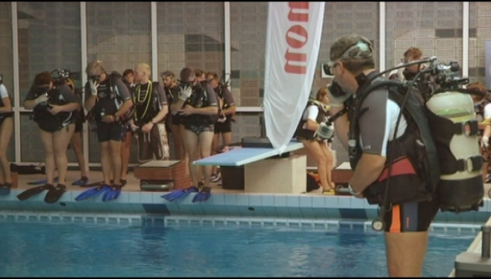 Heistse duikschool gaat zwerfvuil ruimen...onder water