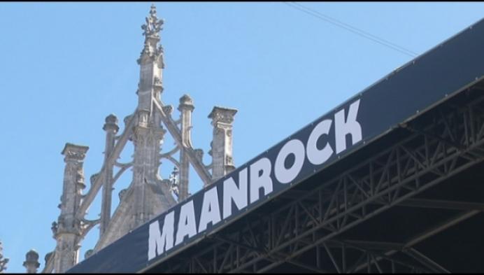 Maanrock in teken van hashtag #2800love