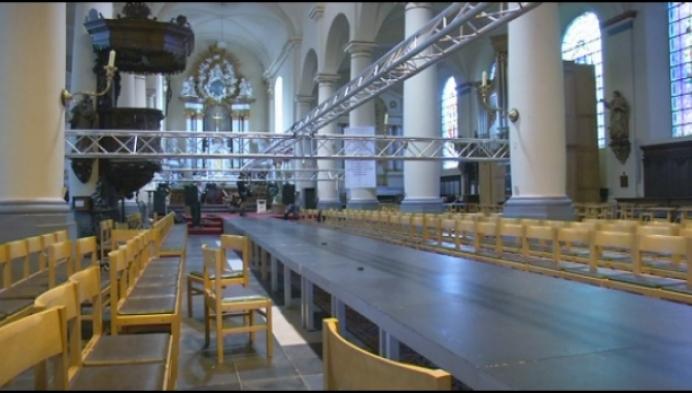 Bornemse kerk voor het eerst decor van modeshow
