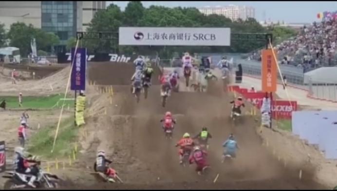 Kevin Strijbos rijdt ondanks val Motorcross der Naties