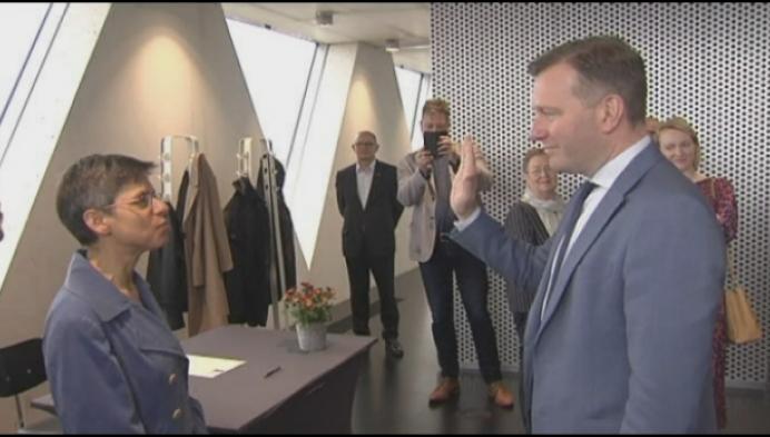 Alexander Vandersmissen legt eed af en is nu echt burgemeester