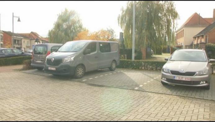 Parkeerprobleem aan sociale woonwijk in Itegem