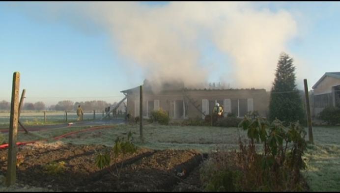 Huis Tisselt onbewoonbaar na hevige brand