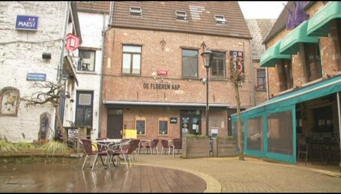 Is de muziek in café De Floeren Aap te luid of niet?
