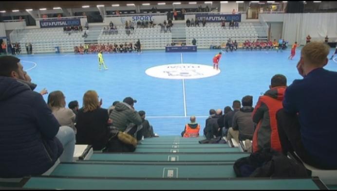 Roberto Martinez moedigt Futsal Red Devils aan in Herentals