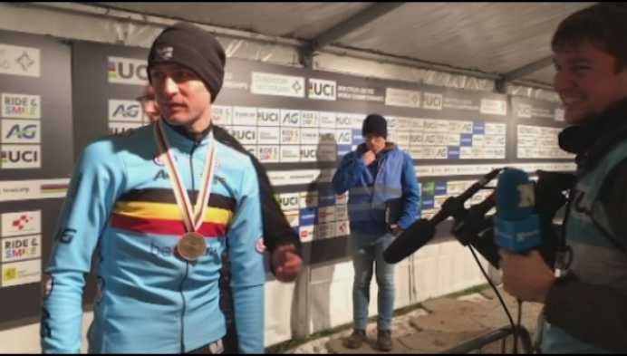 Toon Aerts pakt brons op WK veldrijden in Dübendorf