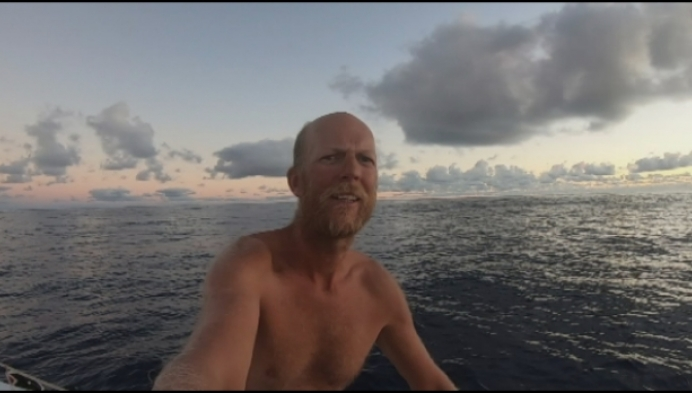 Carl Plasschaert terug thuis van Atlantische oversteek