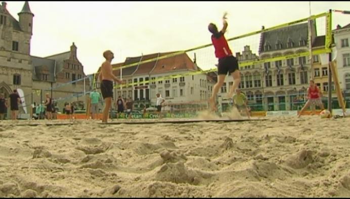 Beachvolley en Kinderstrand weg uit Mechelse binnenstad