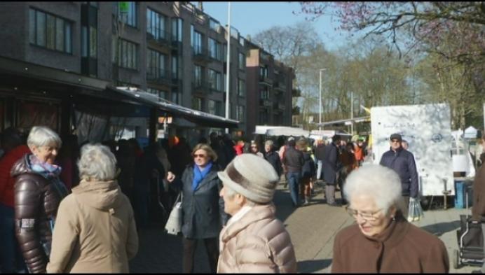 Veel volk op Lierse markt, ondanks coronacrisis