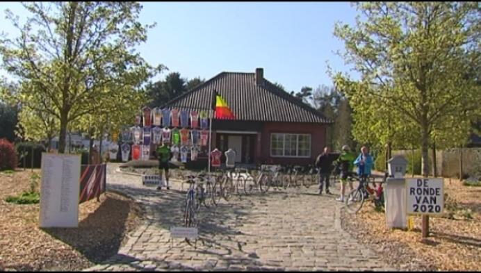 Verzamelaar eert Ronde van Vlaanderen op z'n oprit