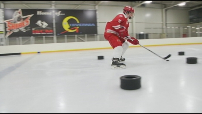 17-jarige ijshockeyer Robin Van Calster krijgt profcontract in Duitsland