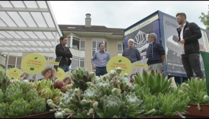 Rotary Club Westerlo schenkt bloemen en beschermingsmateriaal