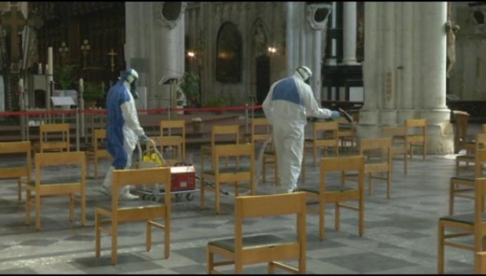 Mechelse moslims ontsmetten Sint-Romboutskathedraal